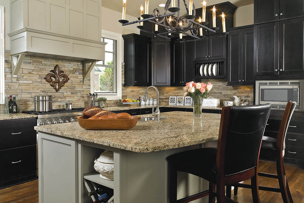 Wellborn Forest Statement Kitchen Cabinets In Jefferson